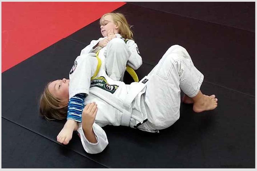 BJJ Kids Arm Bar
