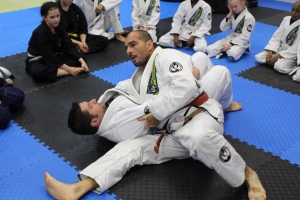 Mestre Behring on the mats, teaching and guiding!